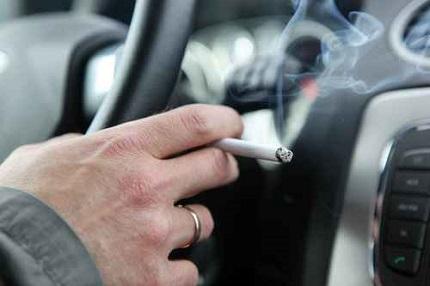 車内たばこ