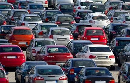 たくさん並ぶ車