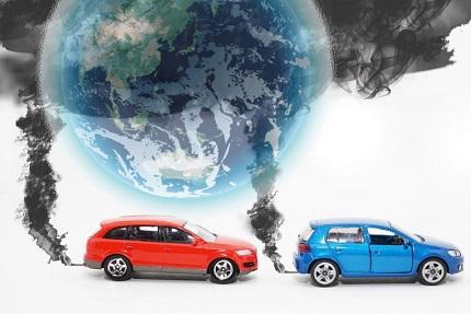 黒煙を出す車と地球