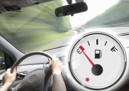 運転席とガソリン残量表示