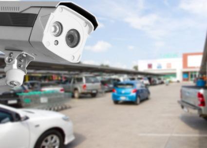 店内駐車場とカメラ