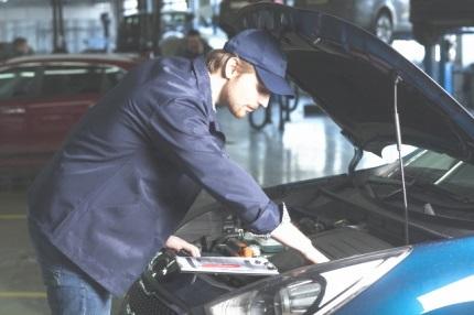 自動車検査員